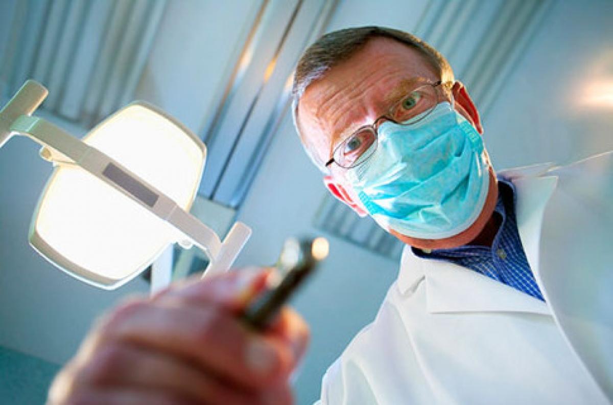 Осмотр мужского члена дерматологом видео 0 фотография